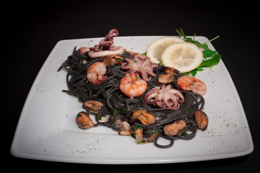 4. spaghetti nero frutti di mare_01