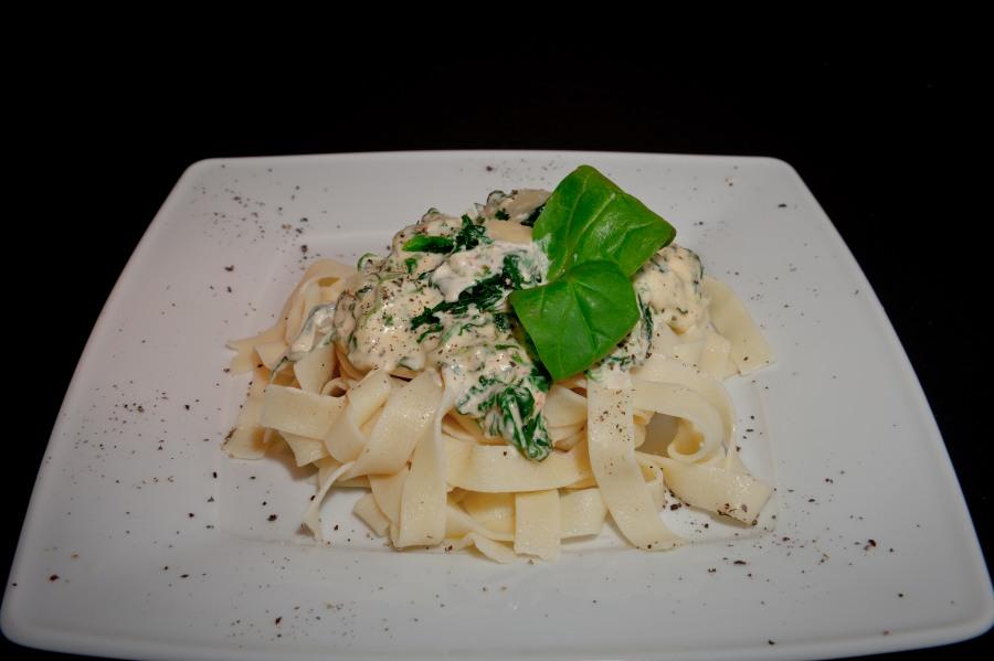 6. tagliatelle con spinaci_01